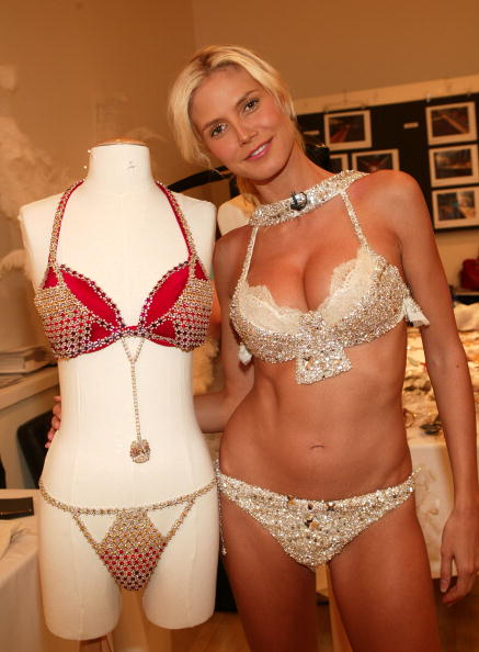 Victoria's Secret Fantasy Bra「Heidi Klum」:写真・画像(16)[壁紙.com]