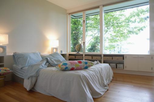 Duvet「Pillows on bed」:スマホ壁紙(0)