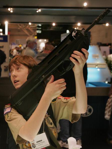 アメリカ合州国「Gun Enthusiasts Gather At NRA Annual Meeting」:写真・画像(19)[壁紙.com]
