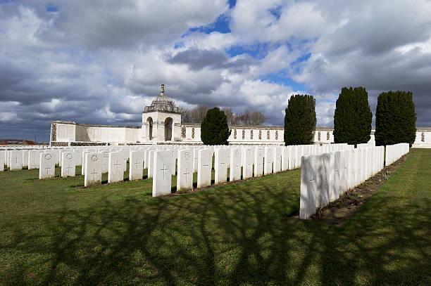 Tyne Cot Cemetery...:ニュース(壁紙.com)