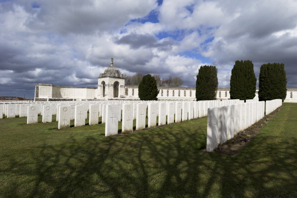 Tom Stoddart Archive「Tyne Cot Cemetery...」:写真・画像(6)[壁紙.com]
