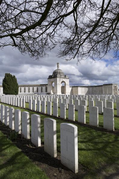 Tom Stoddart Archive「Tyne Cot Cemetery...」:写真・画像(8)[壁紙.com]