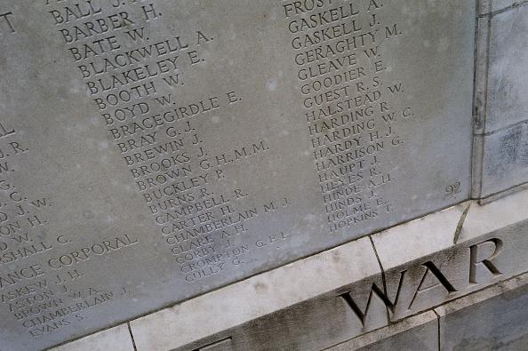 Tom Stoddart Archive「Tyne Cot Cemetery...」:写真・画像(13)[壁紙.com]