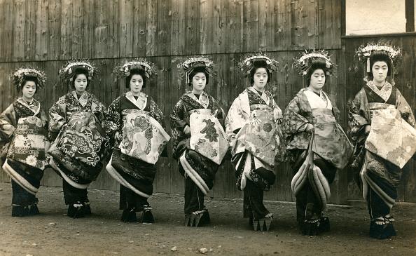 Headdress「Seven Geishas」:写真・画像(8)[壁紙.com]