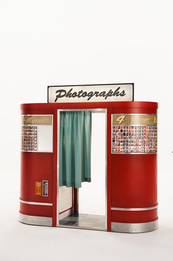 Photography Themes「Vintage Photobooth on white background」:スマホ壁紙(10)