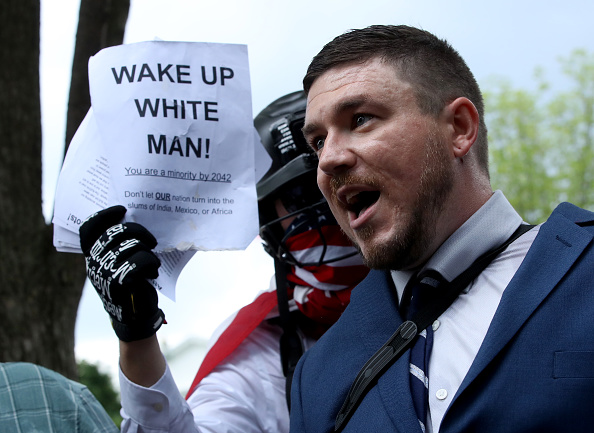 """Furious「Alt Right Holds """"Unite The Right"""" Rally In Washington, Drawing Counterprotestors」:写真・画像(19)[壁紙.com]"""