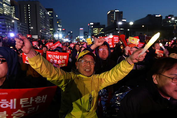 韓国「Court Upholds Impeachment Of South Korean President Park」:写真・画像(14)[壁紙.com]