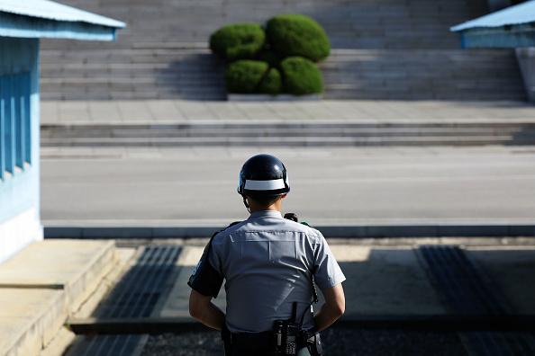 Chung Sung-Jun「Panmunjom As Tension Between US And North Korea Escalates」:写真・画像(1)[壁紙.com]