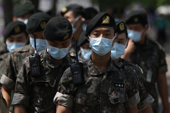 South Korea「Alarm Continues For MERS In South Korea」:写真・画像(17)[壁紙.com]