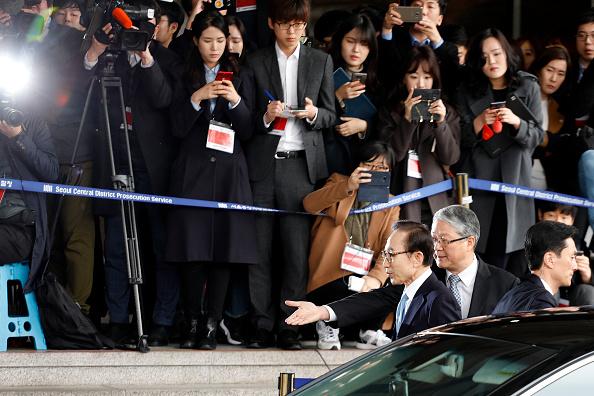 Seoul「Seoul Central District Prosecutor's Office  Summons Former President Lee Myung-bak」:写真・画像(2)[壁紙.com]
