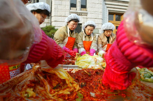 Chili Sauce「South Korean Housewives Feed The Needy」:写真・画像(17)[壁紙.com]