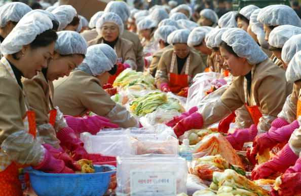 Chili Sauce「South Korean Housewives Feed The Needy」:写真・画像(15)[壁紙.com]