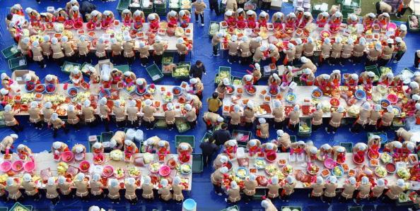Chili Sauce「South Korean Housewives Feed The Needy」:写真・画像(6)[壁紙.com]