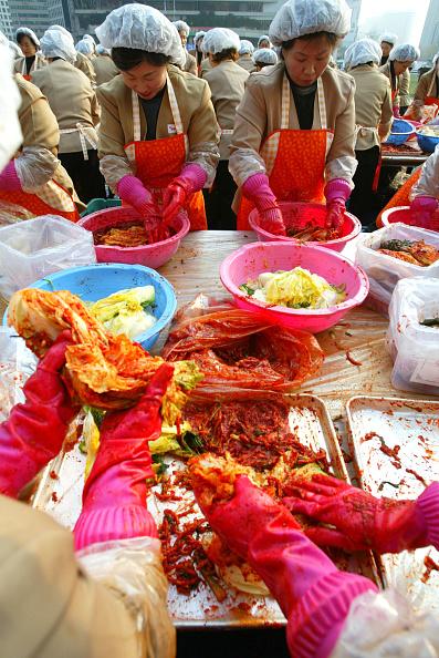 Chili Sauce「South Korean Housewives Feed The Needy」:写真・画像(18)[壁紙.com]