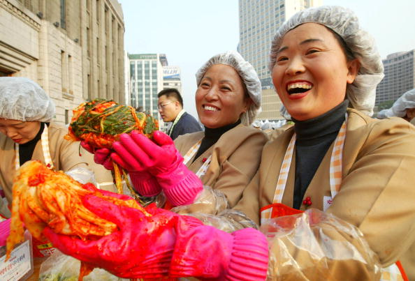 Chili Sauce「South Korean Housewives Feed The Needy」:写真・画像(0)[壁紙.com]