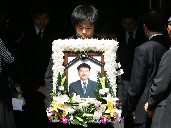 Taliban「Christians Mourn At Killed Hostage?s Funeral」:写真・画像(15)[壁紙.com]