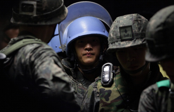 練習「South Korea Holds Anti-Terror Drill」:写真・画像(1)[壁紙.com]