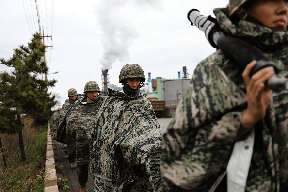 2018 Winter Olympics - Pyeongchang「U.S. and South Korean Marines Conduct Joint Military Exercise」:写真・画像(15)[壁紙.com]