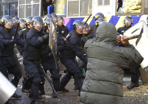 Free Trade Agreement「South Korean Farmers Clash With Riot Police  」:写真・画像(13)[壁紙.com]