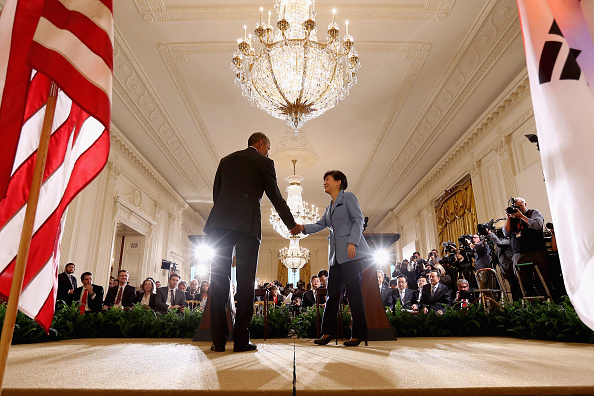 Decisions「Obama Meets With President Park Of South Korea At The White House」:写真・画像(19)[壁紙.com]