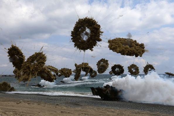 South Korea「S. Korea - U.S. Marines Hold Joint Landing Operation In Pohang Beach」:写真・画像(1)[壁紙.com]