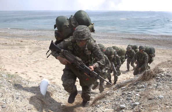 USA「U.S. And South Korea Marines Hold Landing Operation」:写真・画像(3)[壁紙.com]