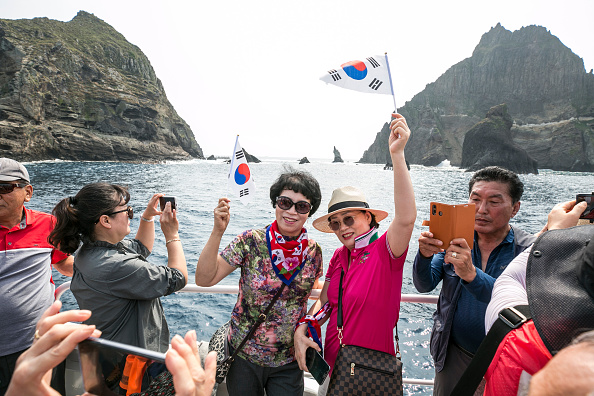 Tourism「South Koreans Visit Dokdo Islets Amidst Deepening Trade-Rift With Japan」:写真・画像(17)[壁紙.com]