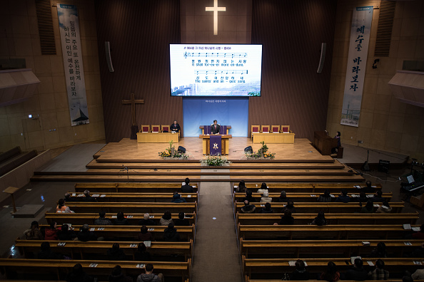 Congregation「South Korean Christians Attend Sunday Mass In Gangneung」:写真・画像(4)[壁紙.com]