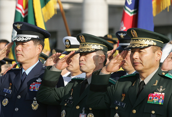 Kim Tae「South Korean Holds Inauguration Ceremony For New Defence Minister」:写真・画像(10)[壁紙.com]