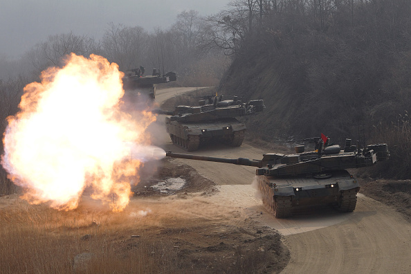 Chung Sung-Jun「South Korean Army Holds Armored Machinery Parade And K-2 Tank's Live Fire Drill」:写真・画像(1)[壁紙.com]