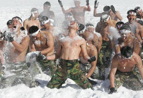 韓国「South Korean Soldiers Undertake Mountain Training」:写真・画像(15)[壁紙.com]
