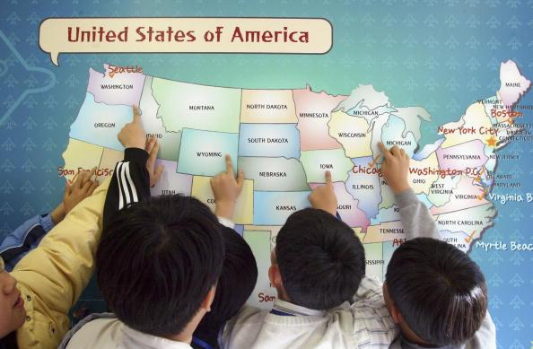 教える「South Korean Students Practise Language Skills In An 'English Village'」:写真・画像(13)[壁紙.com]