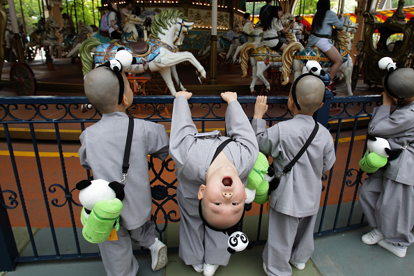 Monk - Religious Occupation「Korean Little Monks Make Visit To Everland Amusement Park」:写真・画像(6)[壁紙.com]