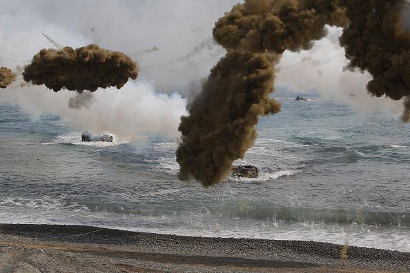 Chung Sung-Jun「U.S. and South Korean Marines Hold Joint Landing Operation」:写真・画像(16)[壁紙.com]