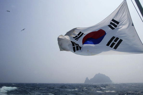 South Korea「Volcanic Islets Cause Tension Between Japan And South Korea」:写真・画像(16)[壁紙.com]