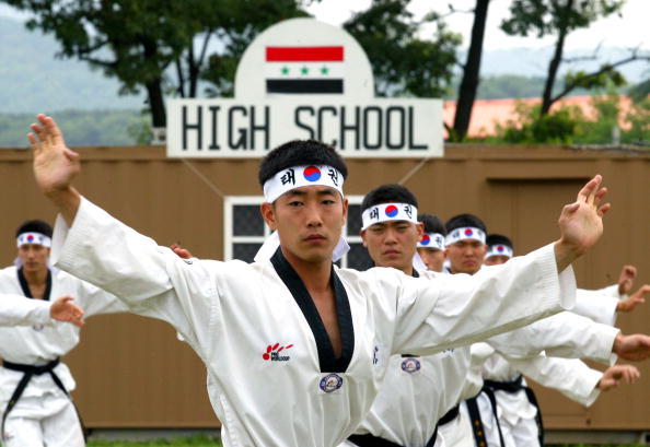 Focus On Foreground「South Korean Soldiers Conduct Exercises At Gwanju Base」:写真・画像(10)[壁紙.com]