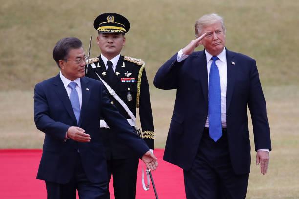 US President「U.S. President Donald Trump Visits South Korea - Day 1」:写真・画像(15)[壁紙.com]