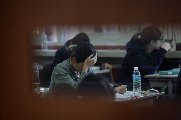 South Korea「Korean Students Take Crucial College Scholastic Ability Test」:写真・画像(18)[壁紙.com]
