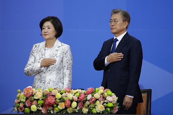 South Korea「Newly Elected Moon Jae-in Starts His Presidency」:写真・画像(19)[壁紙.com]