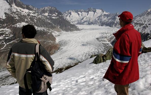 アレッチ氷河「Aletsch Glacier Retreat Continues」:写真・画像(12)[壁紙.com]