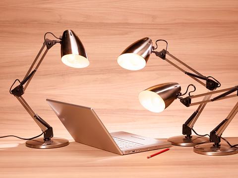 Desk Lamp「Three desk lamps curiously looking at computer」:スマホ壁紙(0)
