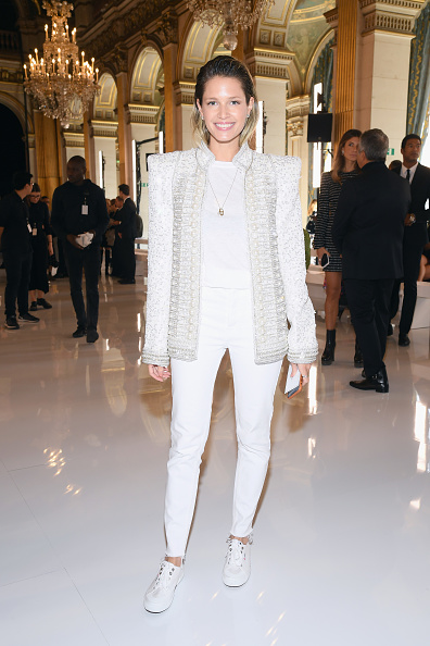 Necklace「Balmain : Front Row - Paris Fashion Week Womenswear Spring/Summer 2019」:写真・画像(9)[壁紙.com]