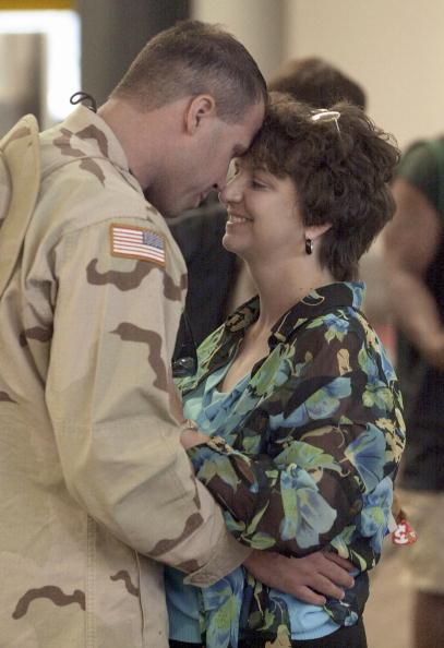 Hartsfield-Jackson Atlanta International Airport「U.S. Soldiers Return From Iraq」:写真・画像(15)[壁紙.com]