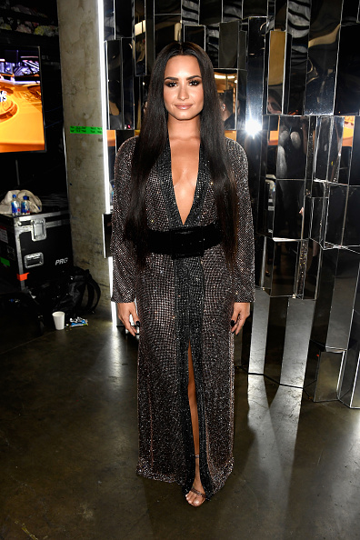 Wide Belt「The 59th GRAMMY Awards - Backstage」:写真・画像(6)[壁紙.com]