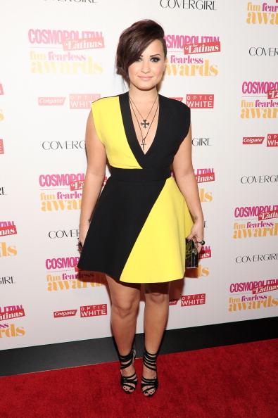 "Two-Toned Dress「Cosmopolitan ""Fun, Fearless"" Latina Awards」:写真・画像(4)[壁紙.com]"