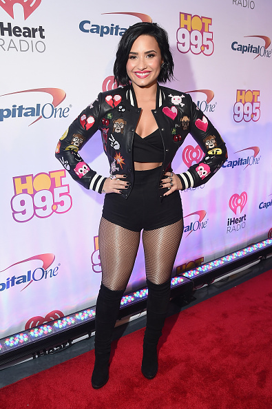Fishnet Stockings「Hot 99.5's Jingle Ball 2015  - Backstage」:写真・画像(1)[壁紙.com]