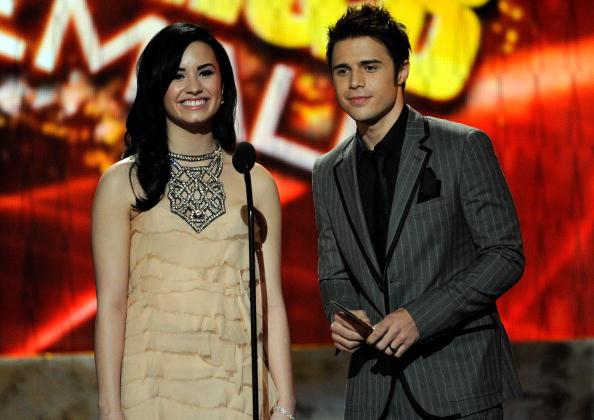 Eyeliner「2009 American Music Awards - Show」:写真・画像(15)[壁紙.com]