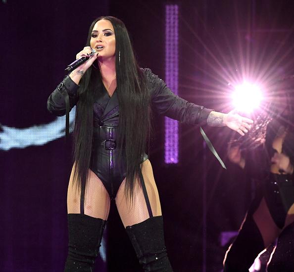 デミ・ロヴァート「Demi Lovato Performs At The Forum」:写真・画像(3)[壁紙.com]