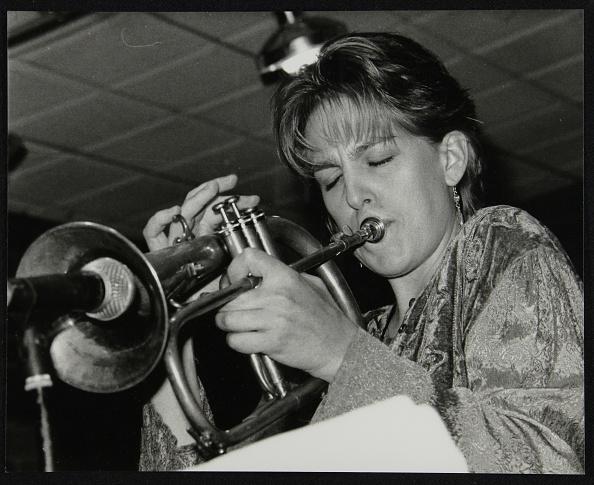 トランペット「Ingrid Jensen playing the flugelhorn at The Fairway, Welwyn Garden City, Hertfordshire, 1997. Artist: Denis Williams」:写真・画像(7)[壁紙.com]