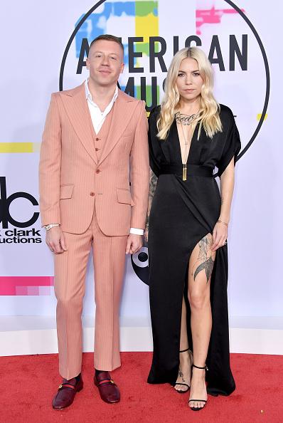 Loafer「2017 American Music Awards - Arrivals」:写真・画像(2)[壁紙.com]